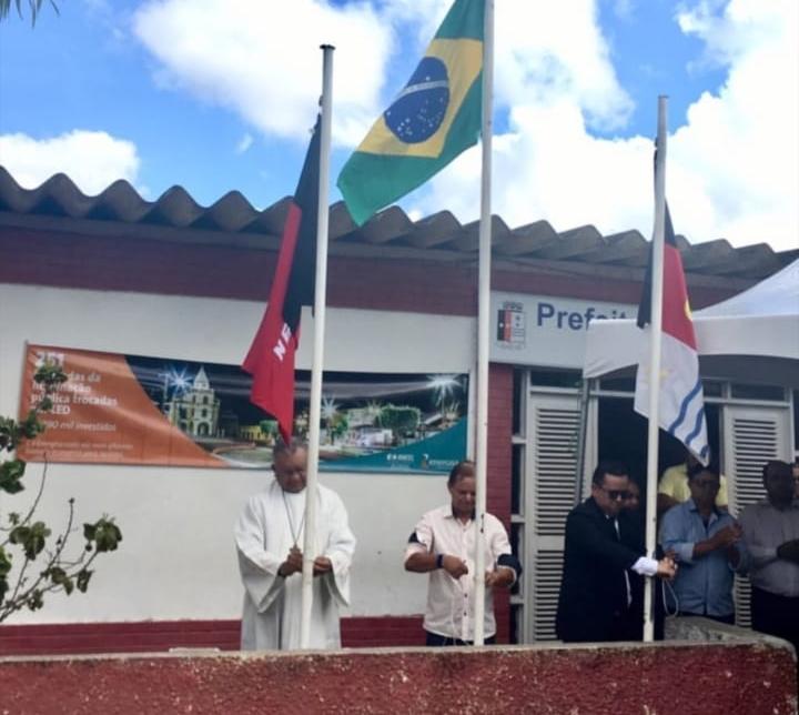Hasteamento das bandeiras celebra os 57 anos de Jacaraú